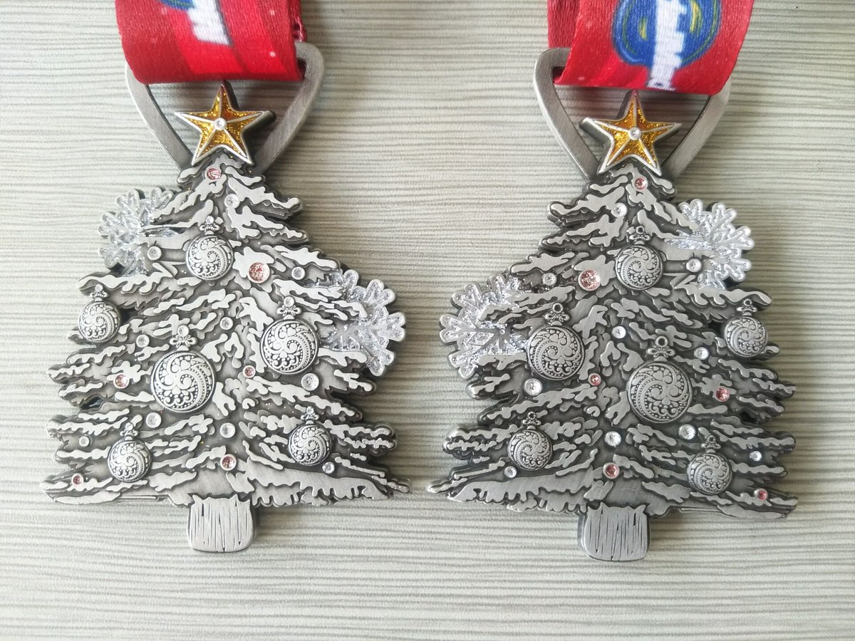 Christmas Running Medals.Medalmaduk On Twitter Here Is The Third Medal In The