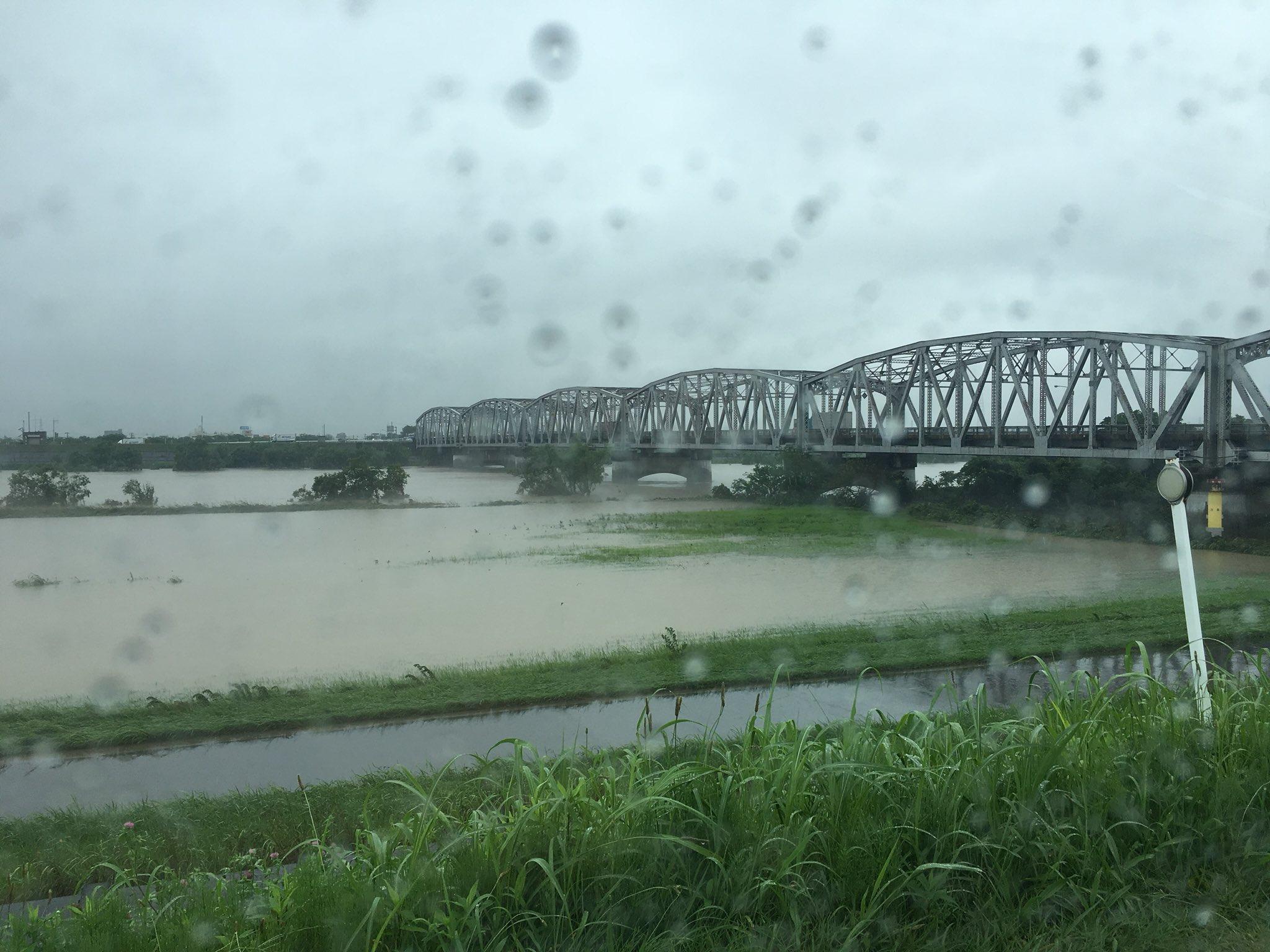 画像,ついに岐阜県に大雨特別警報が、、、高山・郡上・根尾はやばいらしい😓長良川は少し減ってきたけどねー☔️ https://t.co/MmJysnt9yP…