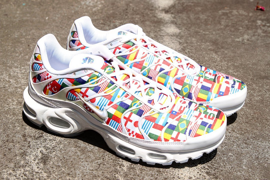 buy popular d9b88 ee159 Sneaker Shouts™ on Twitter: