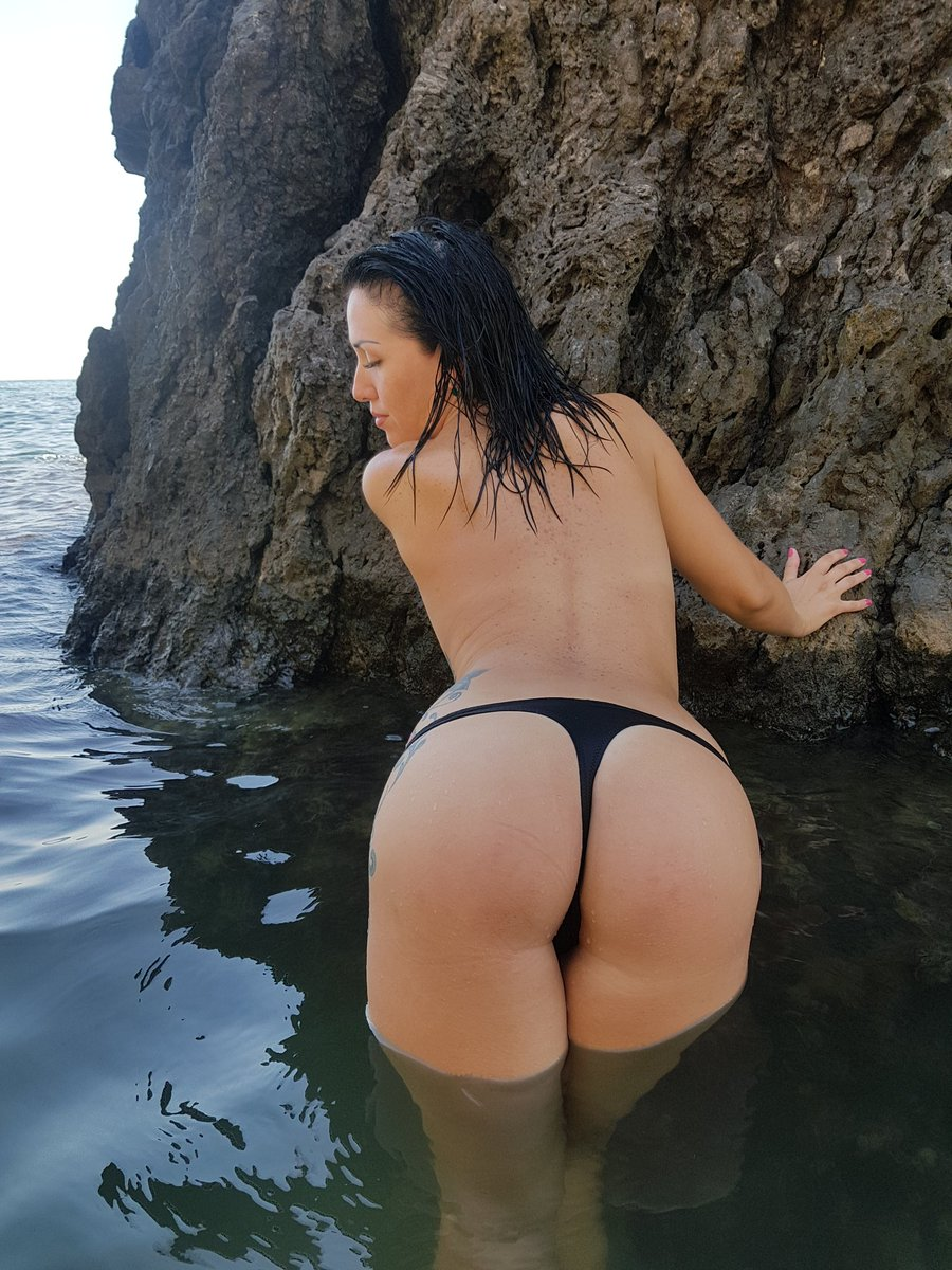 free latinas booty sex picture