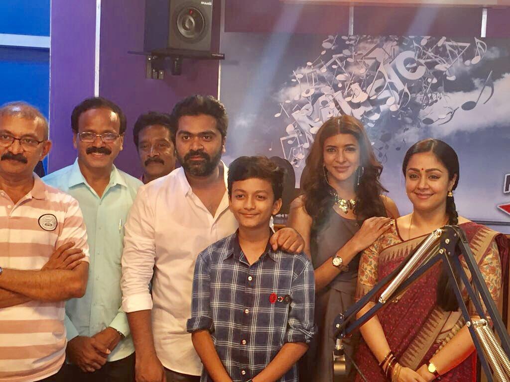 Simbu shoots with Jyothika for Kaatrin Mozhi Tamil Movie