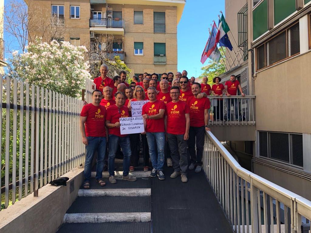 Con Fiom Cgil Rossa Nazionale TwitterLafiom In Maglietta On hrdCstQ