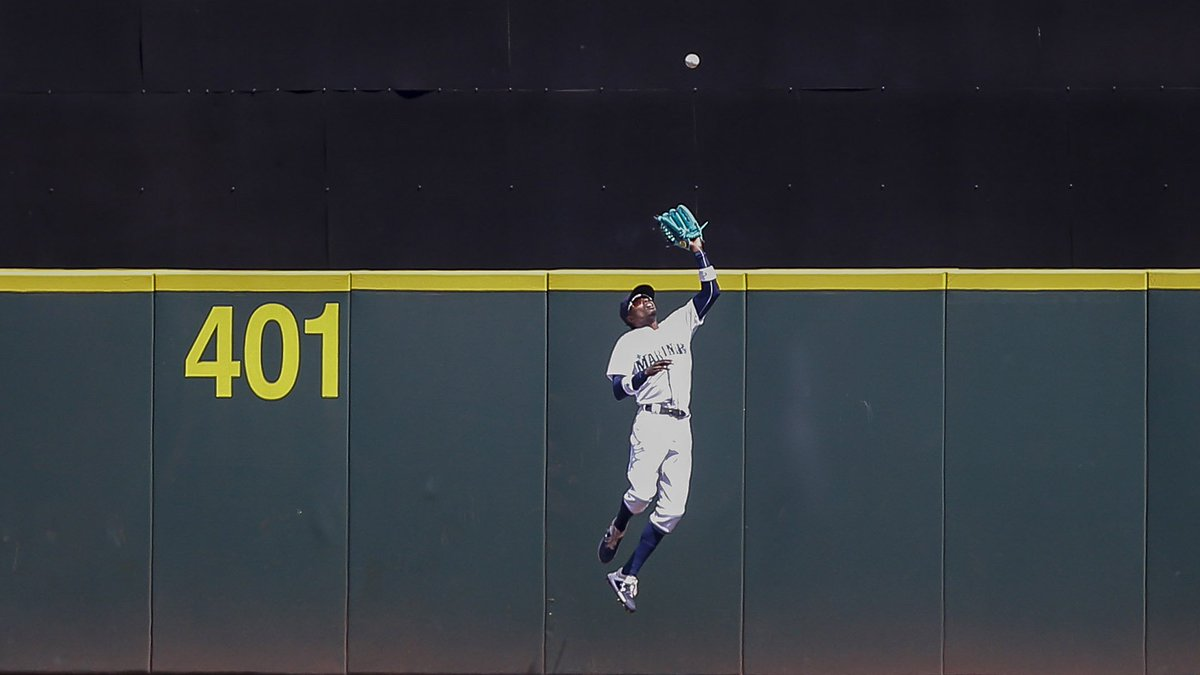 Dee Gordon injury update: Mariners star exits with hip injury https://t.co/LfJCfwuObu