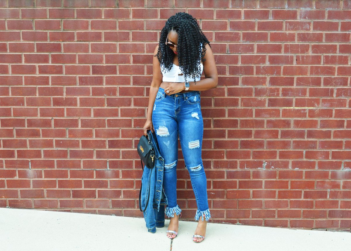 fce7d7b13b80 Get the deets on this crop top look at http   www.djsandstyle.com  fashion   fashionistas  style  styleblogger  OOTD  lotd  stylish  fun  summer  denim   f21 ...