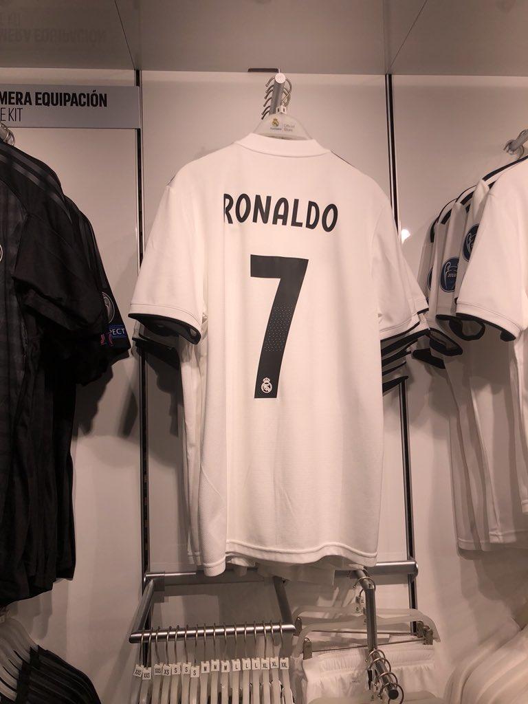 [칼초 메르카토] 레알 마드리드, 현지 상점에 호날두 유니폼 판매 중단 지시
