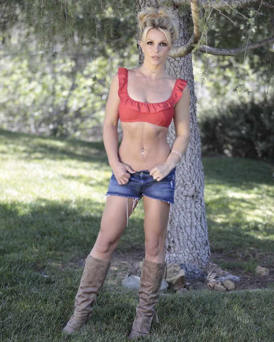 Britney Spears  - Σελίδα 15 Dhip1t3WAAAInzL