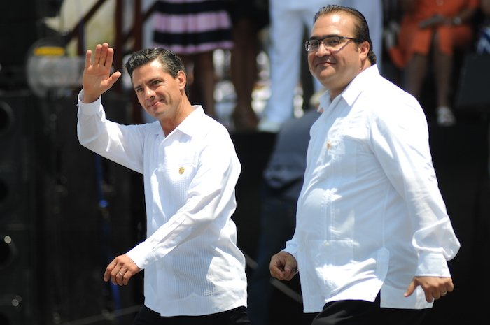 Fueron los medios digitales e internacionales quienes se encargaron de denunciar las irregularidades del gobierno de EPN; mientras tanto Televisa y TV Azteca desviaron su cobertura a temas menos escabrosos https://t.co/T147vo40ce