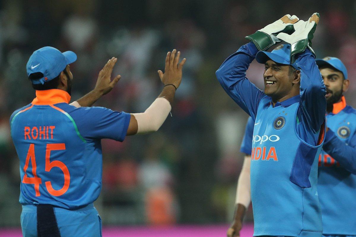 मैन ऑफ़ द मैच और सीरीज लेते हुए रोहित शर्मा ने खुद को नहीं बल्कि इस खिलाड़ी को बताया जीत का हीरो 2