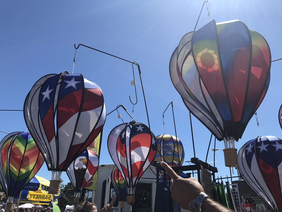 Dutchess Chamber On Twitter Hudson Valley Hot Air Balloon Festival In Rhinebeck Come Check Out Vendors Food Trucks Activities Performances And More Tethered Rides Should Be Available Around 2 Wind Permitting And Our