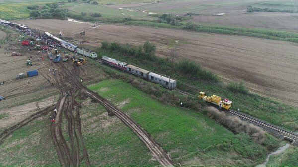 #Tekirdağ #Corlu'da meydana gelen tren kazasında 10 kişi hayatını kaybetti, 73 kişi yaralandı 📸