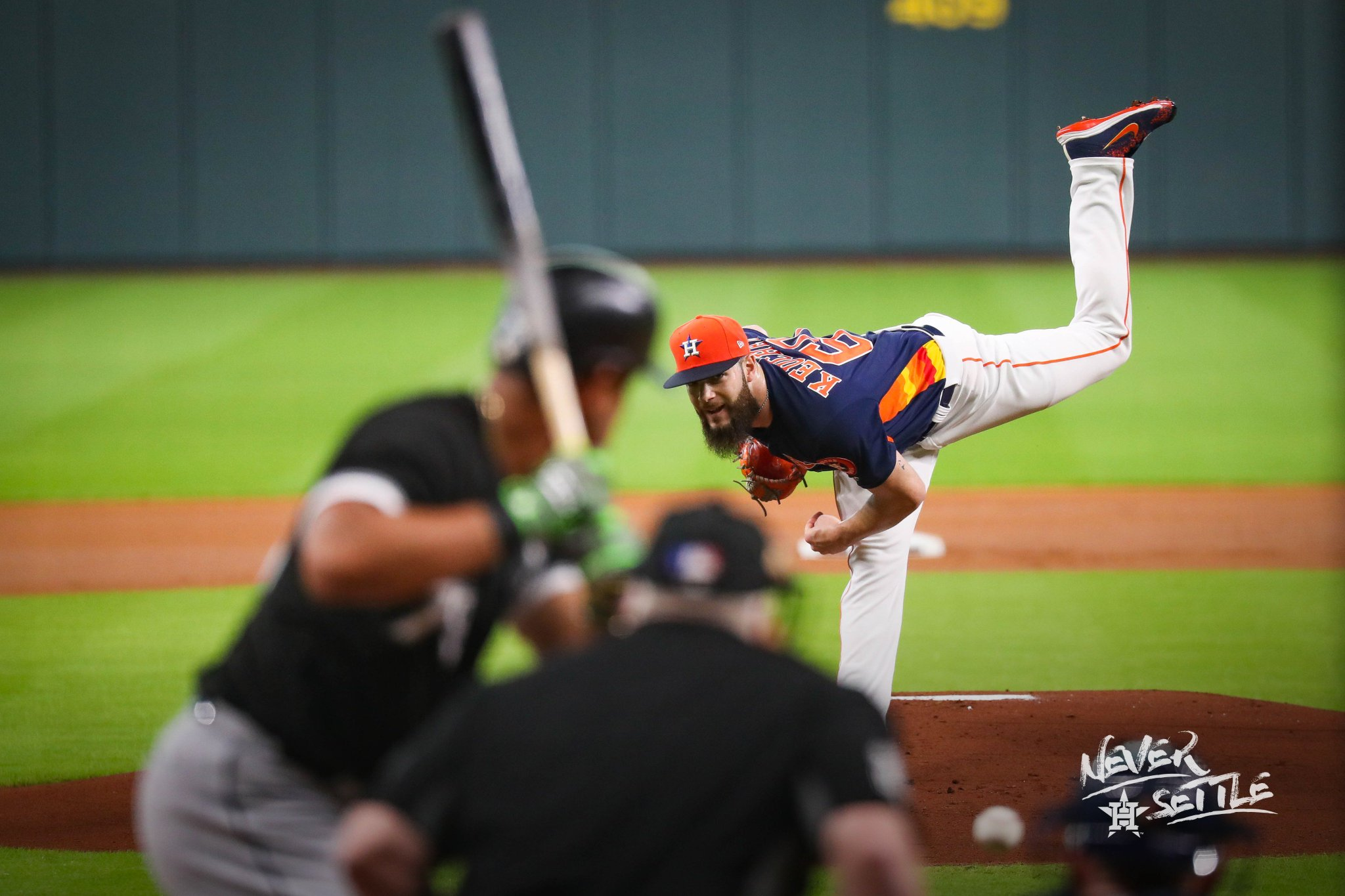 Scoreless through three complete. #NeverSettle https://t.co/2Ccxp9kdoN