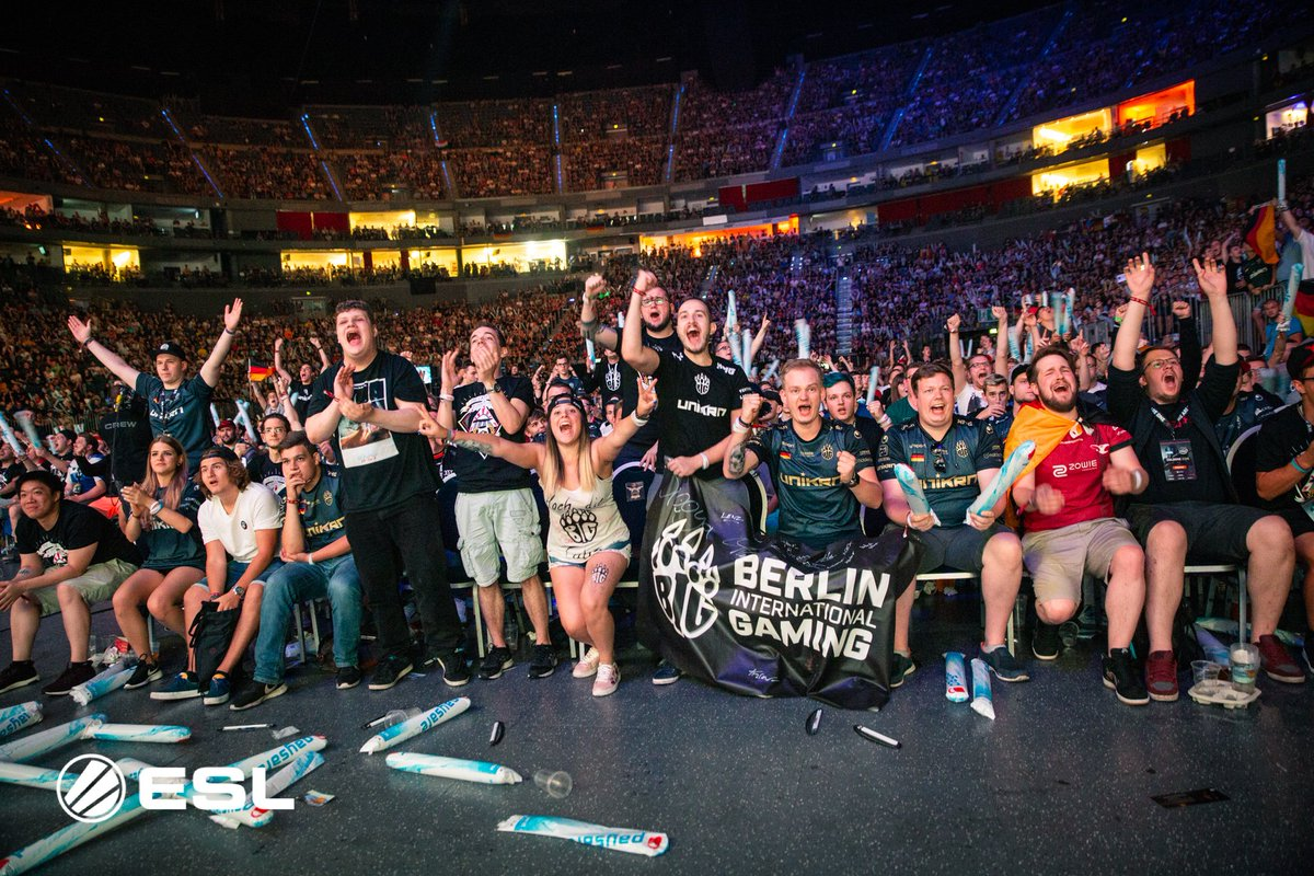 The German fans showed up today! 🇩🇪 #ESLOne