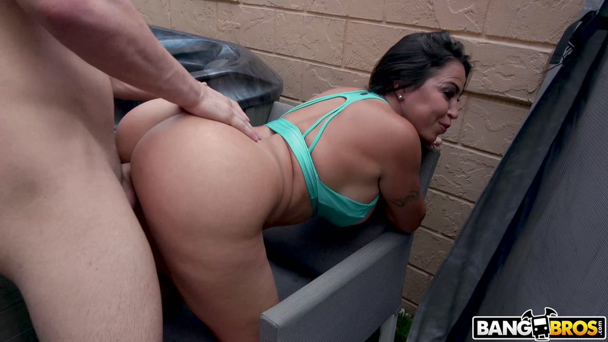 Busty Big Tits Big Ass Latina Gives Oiled Striptease Vanillaandcaramel