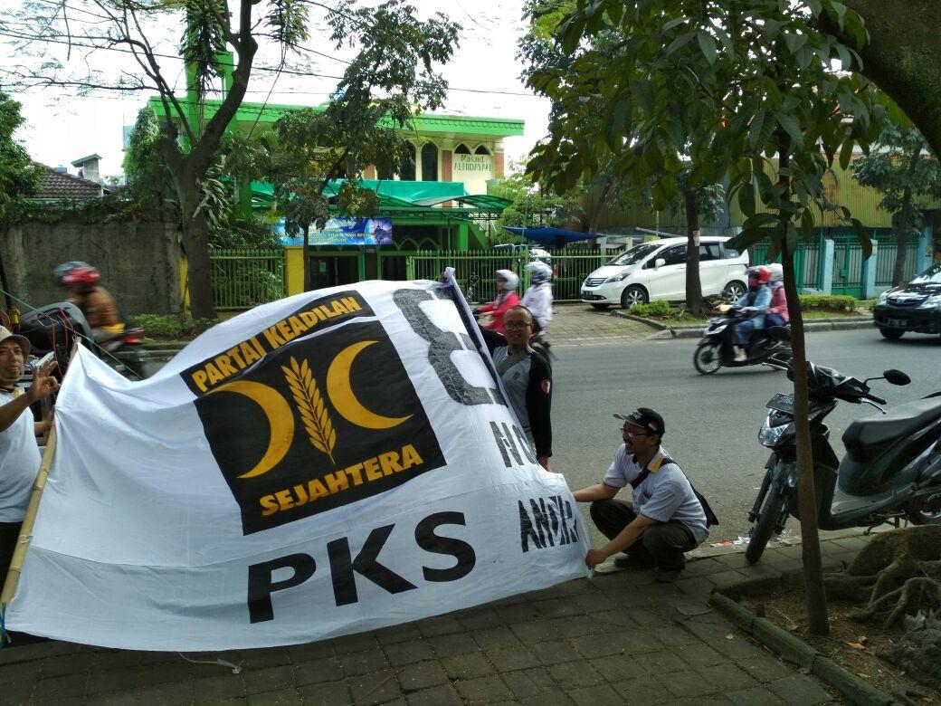 saatnya kita kibarkan ...panji kemenangan  #PKScintaINDONESIA   tatap masakedepan ... #pksno8
