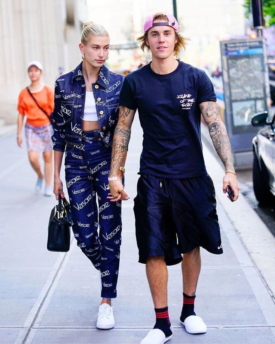justin bieber - DhoehE5V4AEWawU - Pop Music Star Justin Bieber Engaged to American Model Hailey Baldwin' the daughter of actor-producer Stephen Baldwin