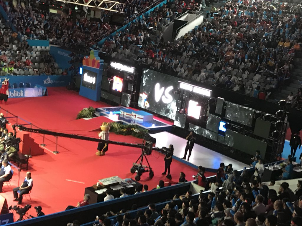 #Top3TakEaways #IndonesiaOpen2018 1) #Momota and #TTY are in a league of their own in #MS & #WS. 2) Great show build around semi and finals Experience that goes beyond  #Badminton 3) #WD was clearly the best final.pic.twitter.com/2eJ4qtr0ae