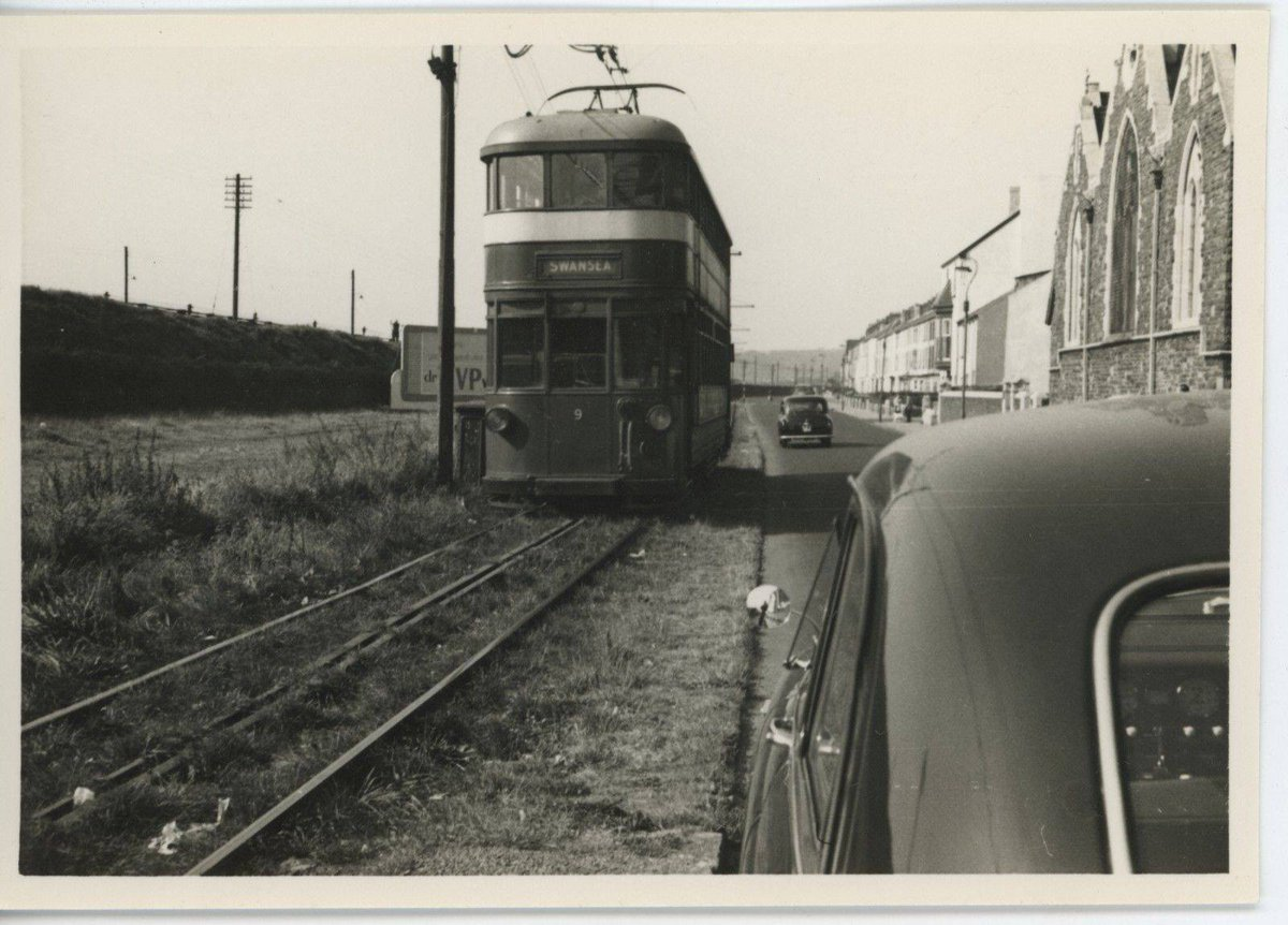 Dhp1SI3W4AEcHY0 - The Swansea & Mumbles Railway