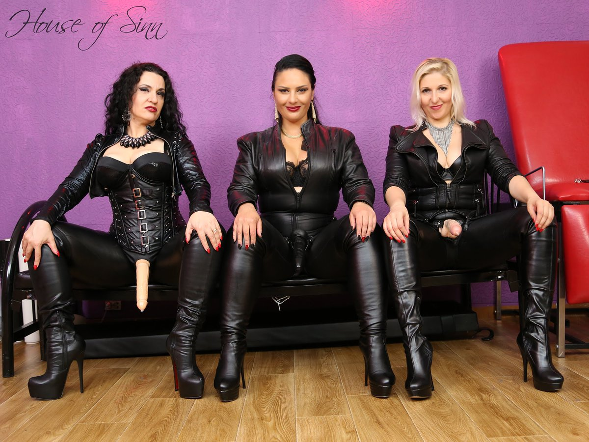 Strap-on queen female domination photos spears