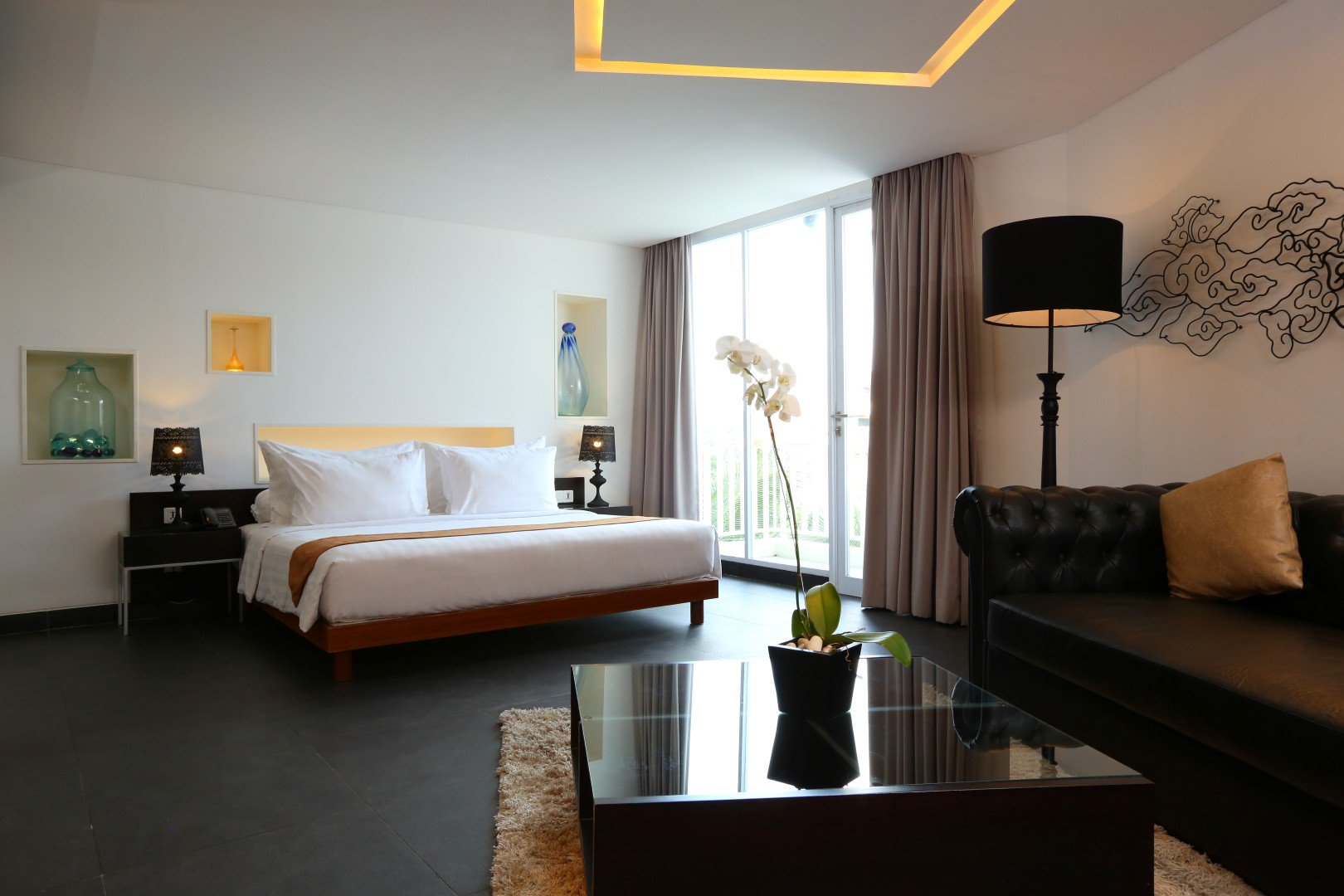 Fontana Hotel Bali On Twitter Fontana Suite Is The Largest Of All A Perfect Definition Of Luxury Island Life The Room Accommodates A Custom Made Egg Skin Bath Tub And Designer Sofa