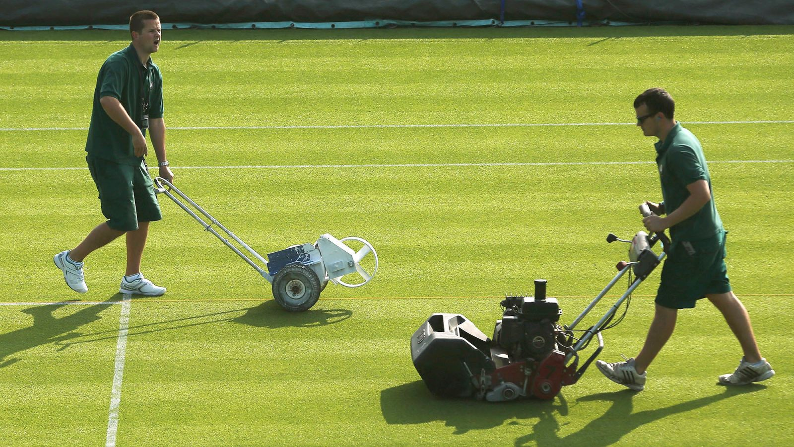 Wimbledon Grounds Crew Frustrated After Learning About Cement Courts https://t.co/QbicCM7cf2 https://t.co/JmlJnFeneF