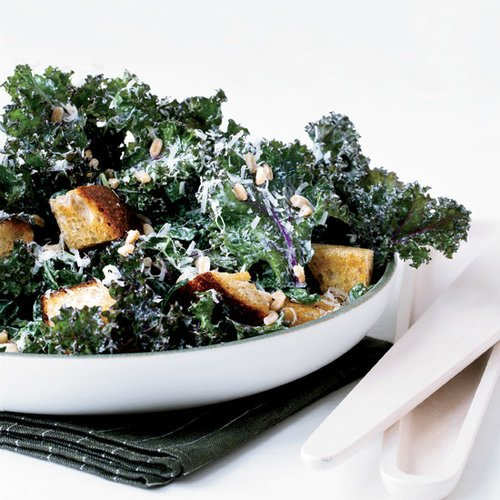@foodandwine: Easy lunch ideas like this kale Caesar with rye croutons and farro : https://t.co/wl6aqrlFO5 https://t.co/Yb0aNCXXRP