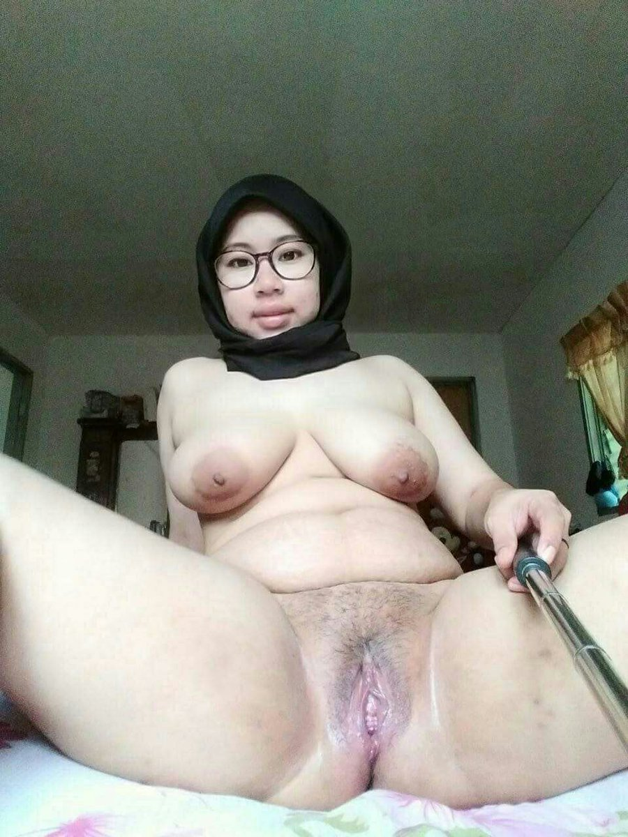 Malay teacher hairy pussy pic — pic 3