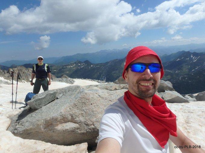 Sanfermines 2018:  Nuestro querido @Pablo_L_B esquiando el glaciar del Aneto un 7-jul [REPORT] ➡️https://t.co/CtIQuvWssl