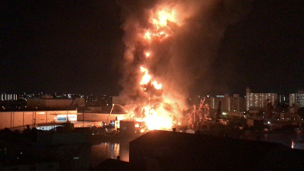 火事】大阪市西成区で爆発音をと...