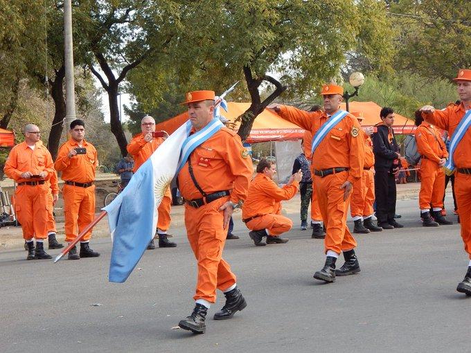 #BuenMartes! Desde la Federación de Bomberos Voluntarios de la Provincia de Córdoba @BvCordoba, saludamos a nuestros trabajadores incansables que durante los 365 días del año desempeñan su tarea con profesionalismo y verdadera vocación de servicio🚒🔥🚨🚒 Foto