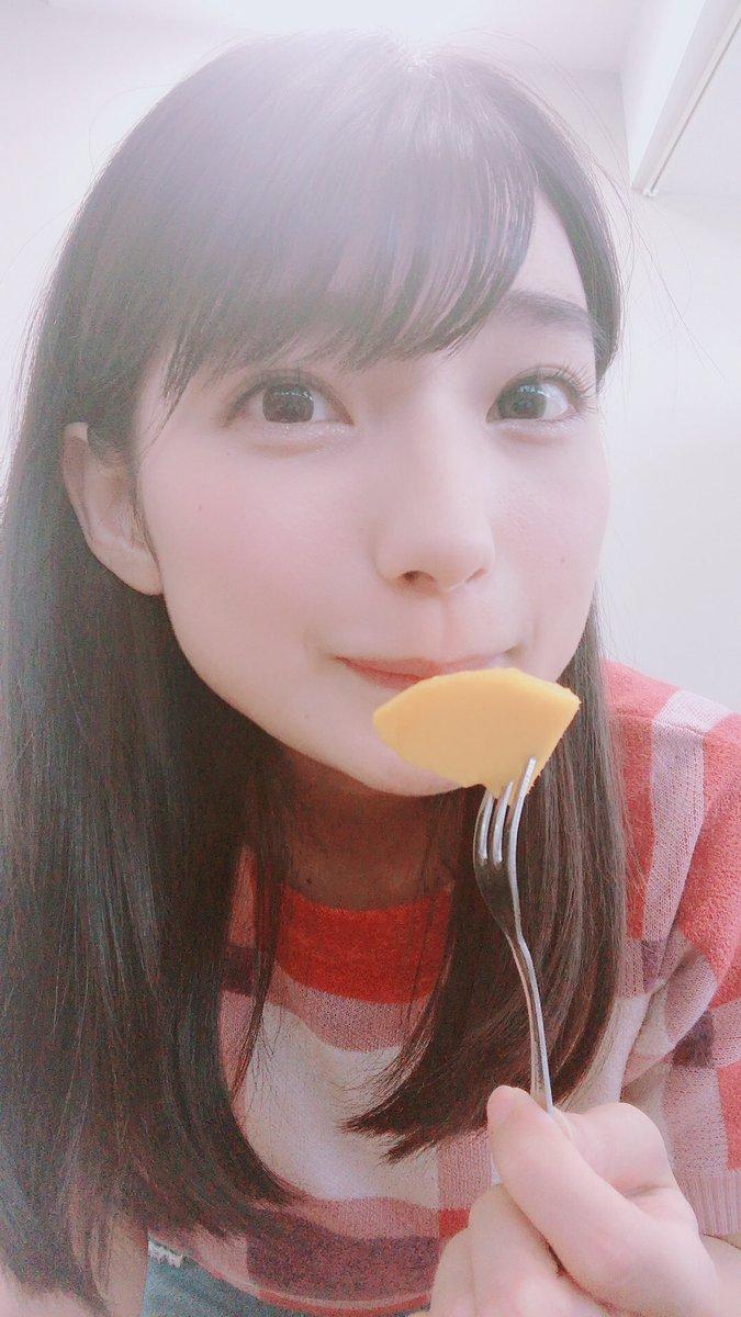 #ゴージャス動画 よきゅーんさんからマンゴーもろた!!!!うまあーーーー!!!!  マンゴー苦手でしたが、今日克服しました。マンゴー!!!