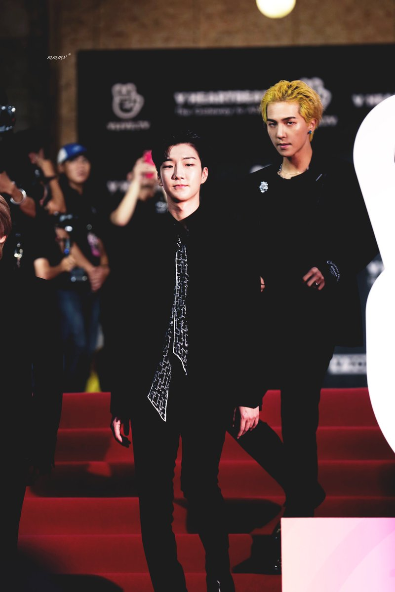 ➖HQ FANTASTIC V-NIGHT @ V-LIVE RED CARPET @official_hoony_   #이승훈 #승훈 #hoony #위너 #seunghoon #vlive #vliveheartbeat