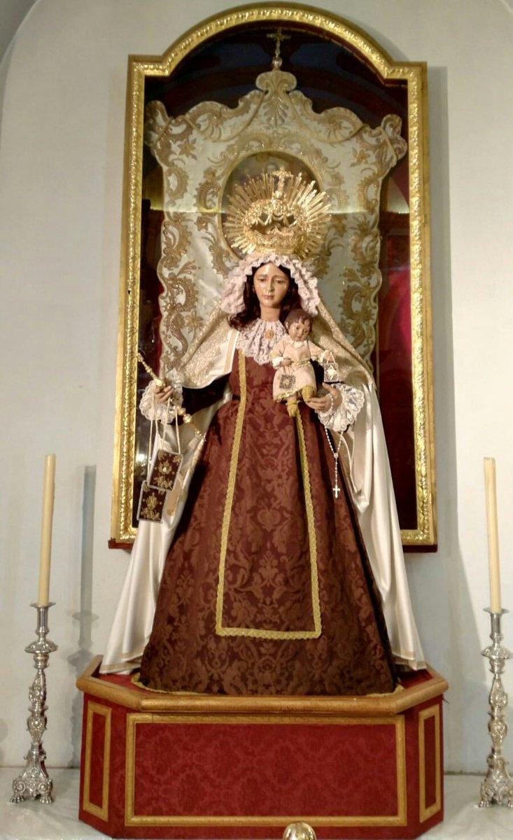 Anoche recibimos a Ntra. Sra. del Carmen del Puente de Triana para la celebración de sus cultos anuales. Te suplicamos, Señor, que la poderosa intercesión de la Virgen María, en su advocación del monte Carmelo, nos ayude y nos haga llegar hasta Cristo, monte de salvación.