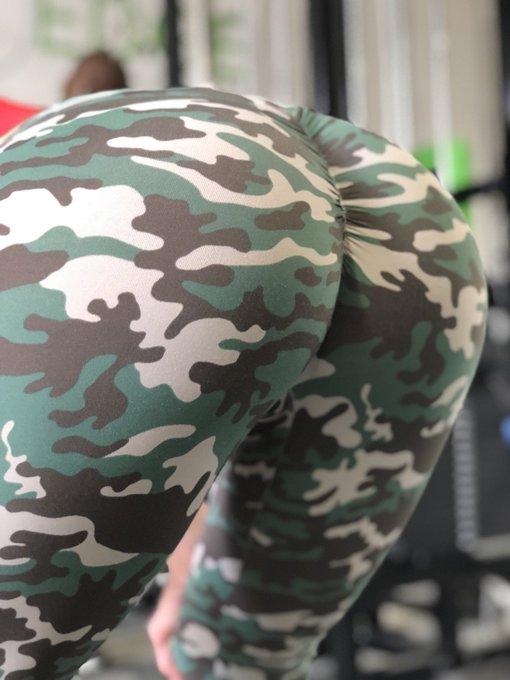 Retweet if u love #booty #LustArmy https://t.co/sb183EEKDO