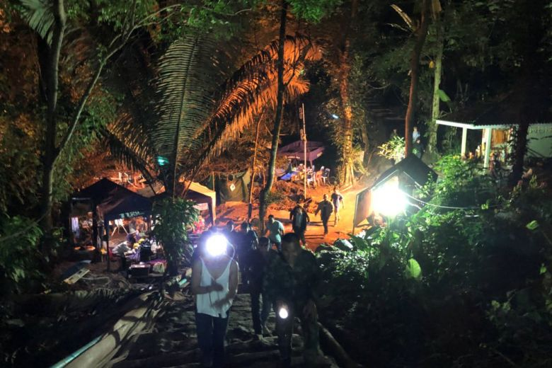 JUST IN All 12 boys, coach rescued from #Thai cave https://t.co/zKOt2wqbqu https://t.co/o2rx1P8GDH