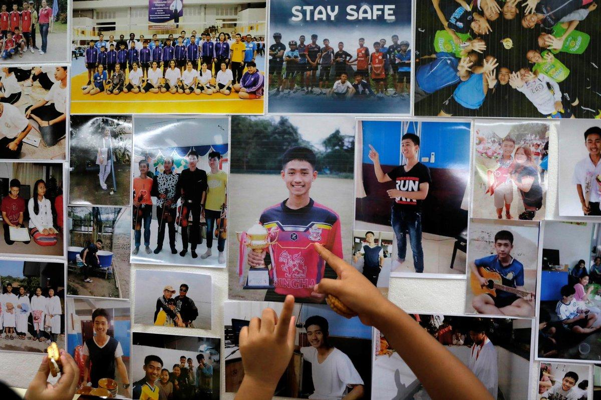 Após 17 dias na gruta, acabou o calvário: 12 jovens e treinador estão salvos: https://t.co/CpktFw0iJI   #Tailândia
