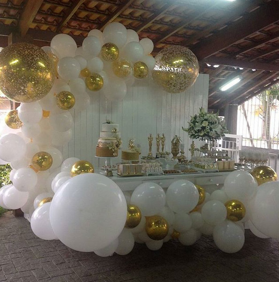 Style Your Moment On Twitter Gold And White Balloon Garland I Am In Love With It Dia Defesta Did Awesome Goldparty Whiteandgold Partyideas Balloongarland Celebrations Birthdayideas Styleyourmoment Https T Co Stpp1biin3