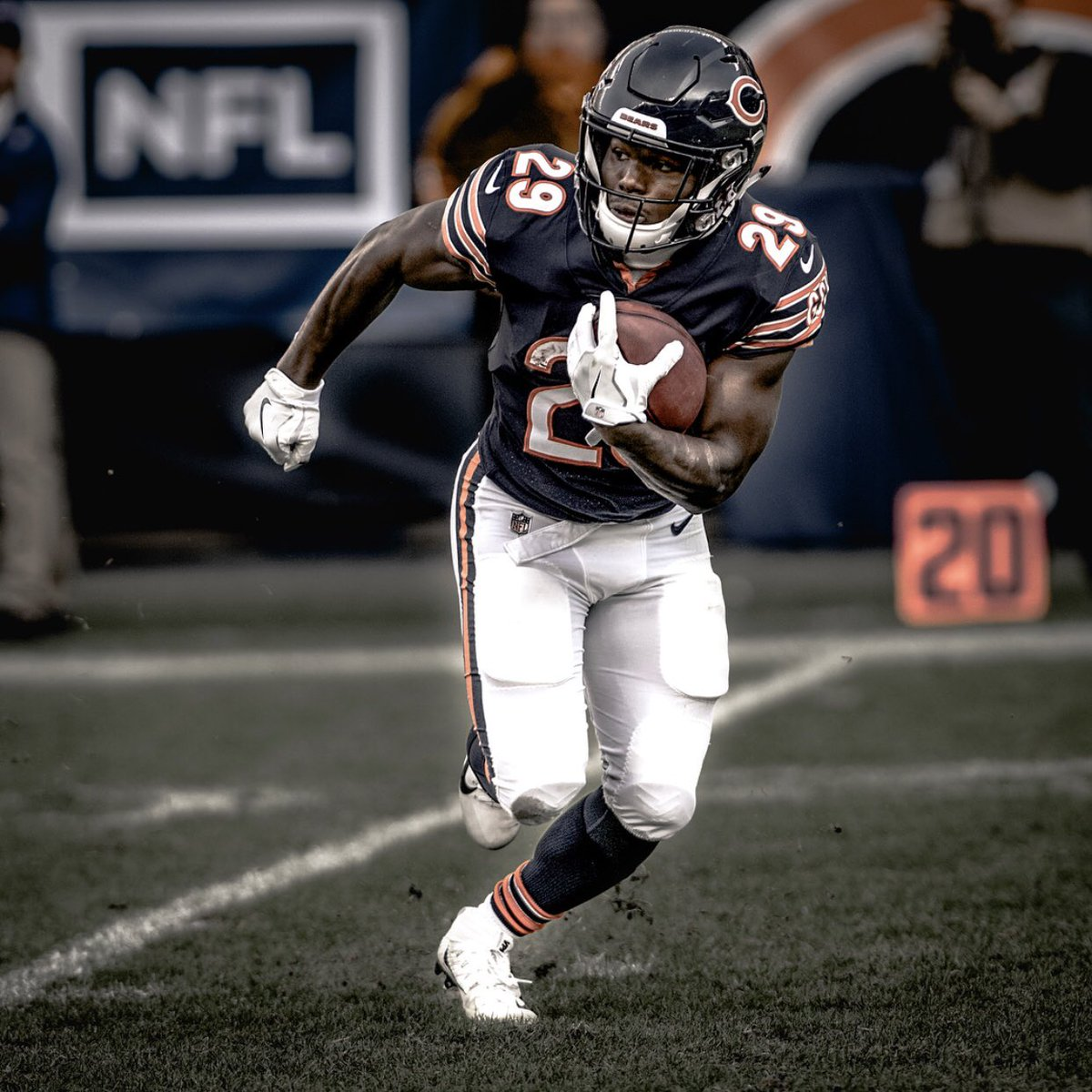 Will dual-threat @TarikCohen have more rushing or receiving yards this season? 🤔