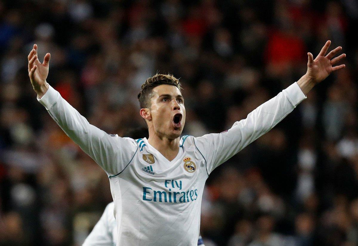 Cristiano Ronaldo se despede como o maior artilheiro da história do Real Madrid, com a impressionante marca de 450 gols em 438 jogos. Monstro, craque!