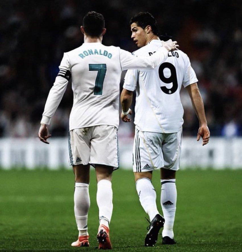 - Cristiano Ronaldo -   🗓 438 partidos ⚽ 451 goles 🏆 16 títulos ▫️4 Champions ▫️2 Ligas ▫️2 Copas ▫️3 Super. Euro. ▫️2 Super. Esp. ▫️3 Mundialitos  ⭐️ 4 Balones de Oro, 2 The Best, 4 Botas de Oro