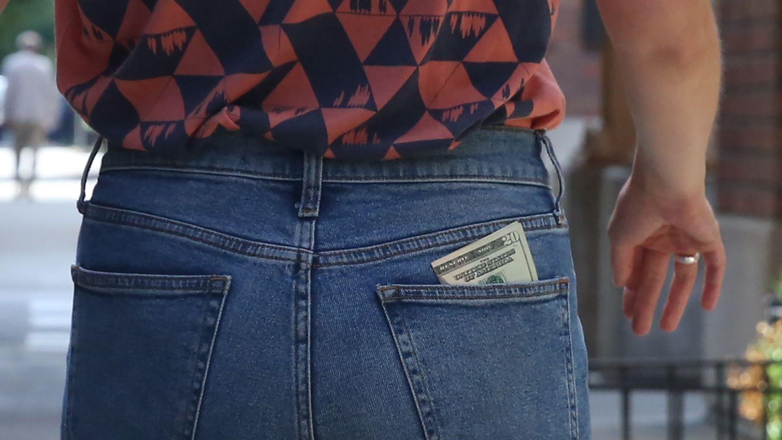 $20 Bill Slowly But Surely Wriggling Free From Back Pocket https://t.co/faJmnVIDE8 https://t.co/SHsQFwbFVH