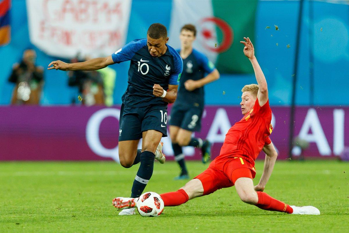 Mbappe và Deschamps đi vào lịch sử bóng đá Pháp