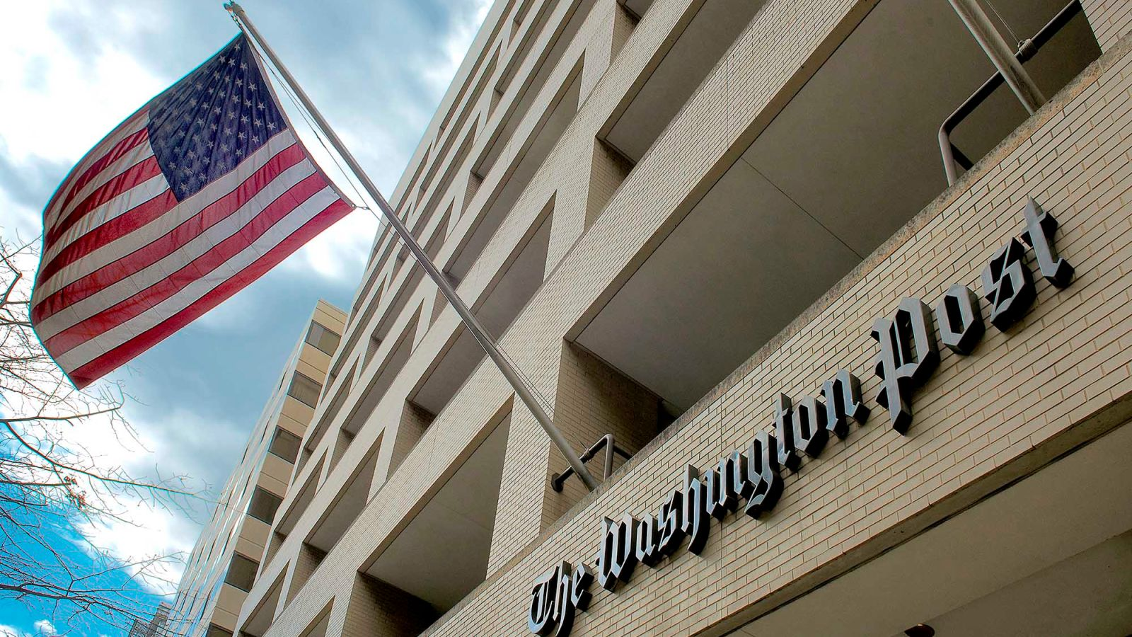 Washington Post Offers Non-Subscribers 10 Free Articles To Fact Check Per Month https://t.co/oY8TYFqbGW https://t.co/IcCpgkoo5E