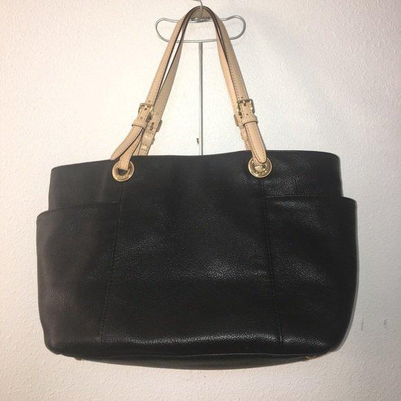 fb47bf2b84 Check out all the items I m loving on  Poshmarkapp  poshmark  fashion   style  shopmycloset  disney  xadoo  michaelkors   https   bnc.lt focc TCCdBYw8CN ...