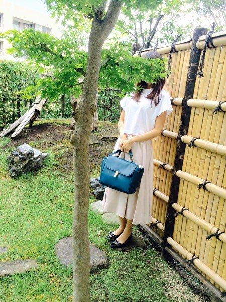 竹垣に早見さんを立てかけようとしたら枝が…。すみません。(ス)