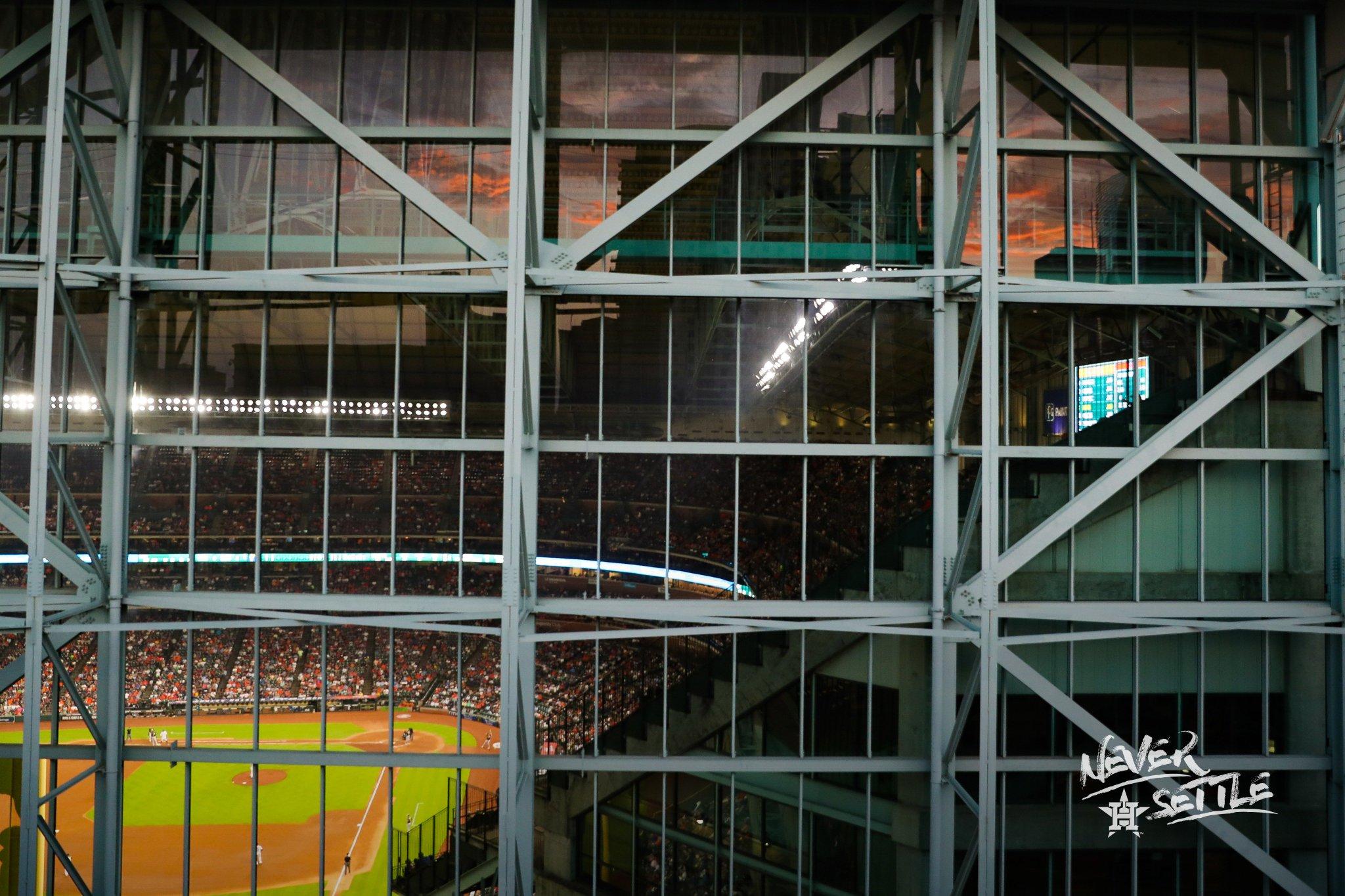 #Astros 4, #Athletics 0 | Top 9 https://t.co/b9eHZROCMZ