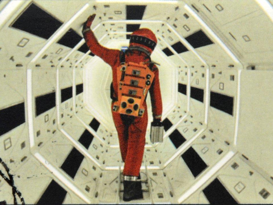 スタンリー・キューブリックが映画『2001年:宇宙の旅』のラストを解説する音声が見つかる #ニュース #サイエンス #宇宙 #人物 #映画 #エンターテインメント https://t.co/XKEBsQ65Up