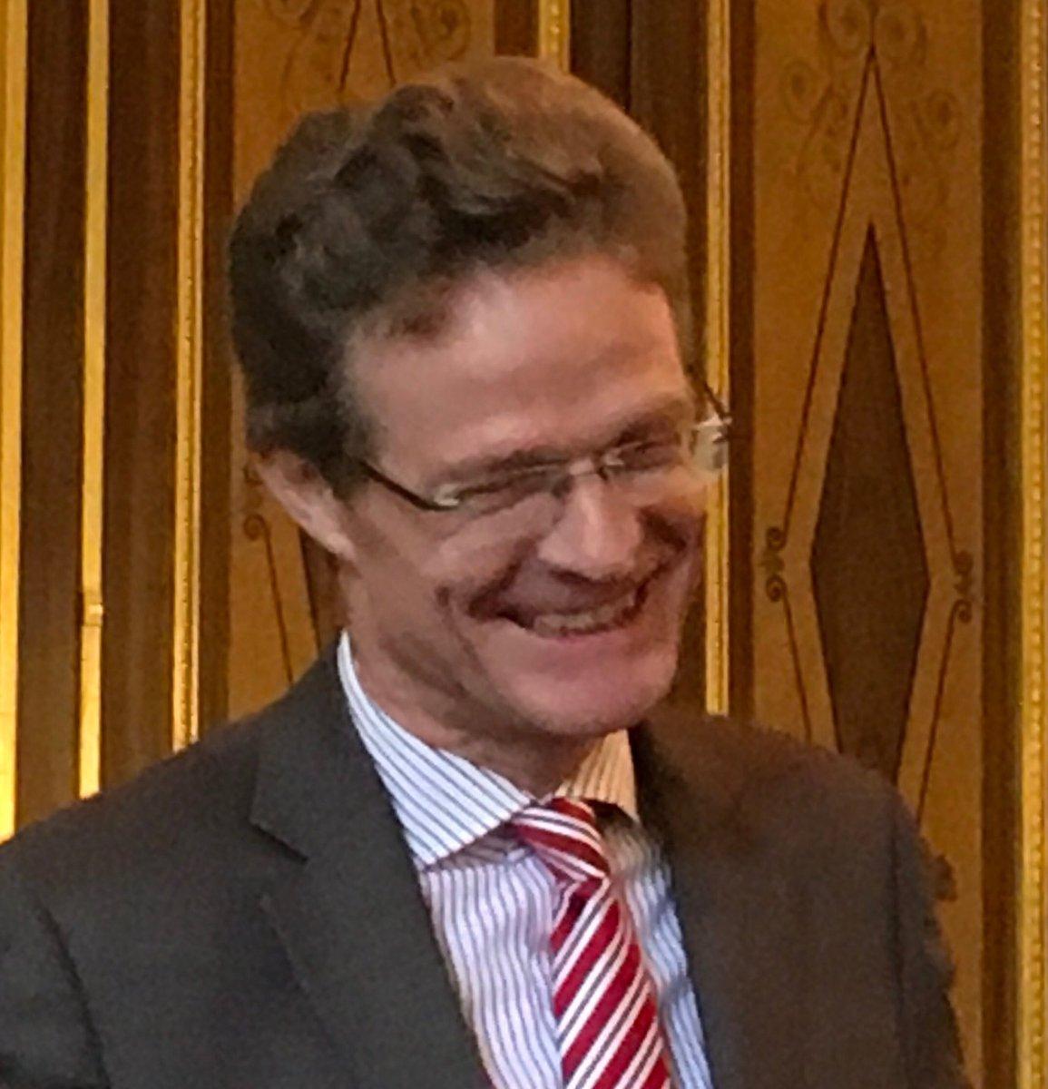 #Recherche #Audace #Persévérance, l'ambassadeur d'Allemagne à Paris fête les 350 ans de la plus ancienne entreprise pharmaceutique du monde, il évoque l'avenir et nous donne rendez-vous dans 350 ans pour fêter son 700ème anniversaire :) #CSIS #pharma