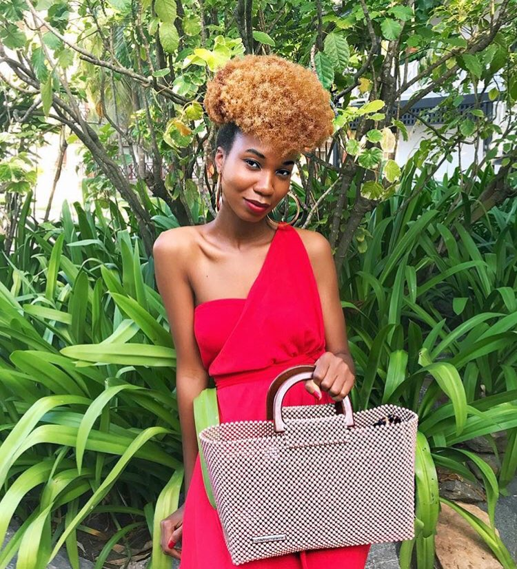 When your day starts on a happy note, you carry a beautiful handbag; a beaded Adubea Jensen  http://www.adubeajensen.com  #RockYourAdubeaJensen #AdubeaJensen #Smartys #BeadsBags #Handbags #LuxuryHandbags #MadeinGhana #MadeinAfrica #AfricanFashion #GhanaFashion