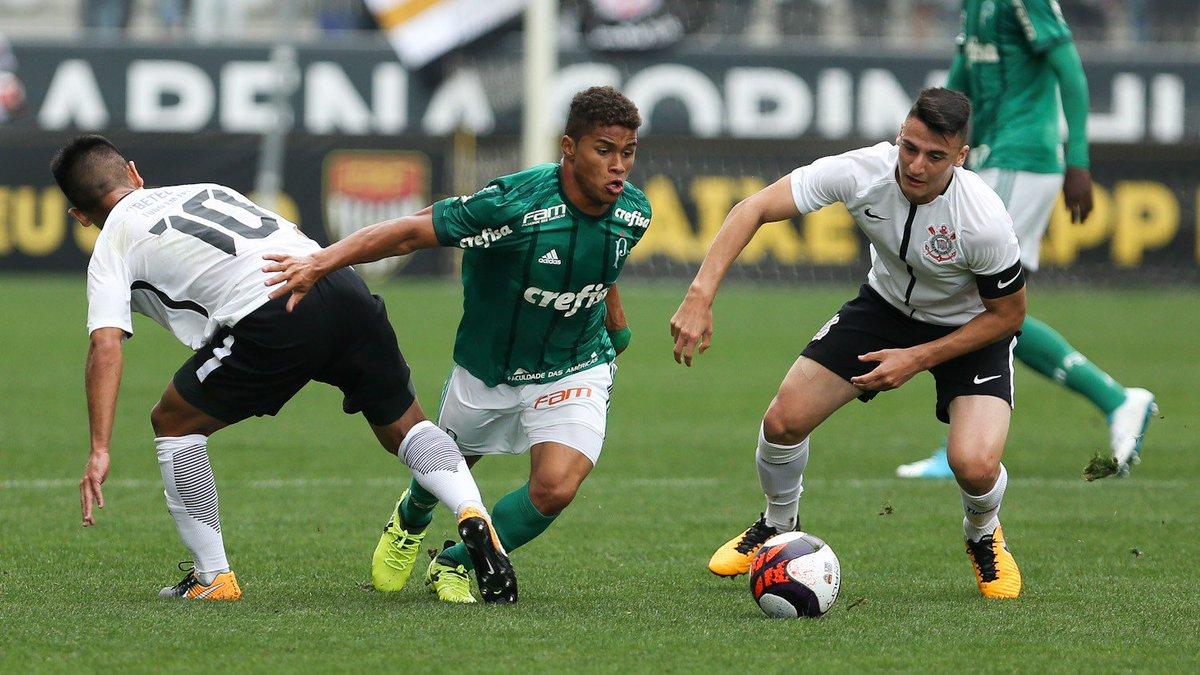 Base Palmeiras على تويتر Entao Sao Dois Patricks O Que Joga De Volante E De Zagueiro E O De Lucca Com Contrato Ate 2020 O Que Joga De Volante Mais Avancado E
