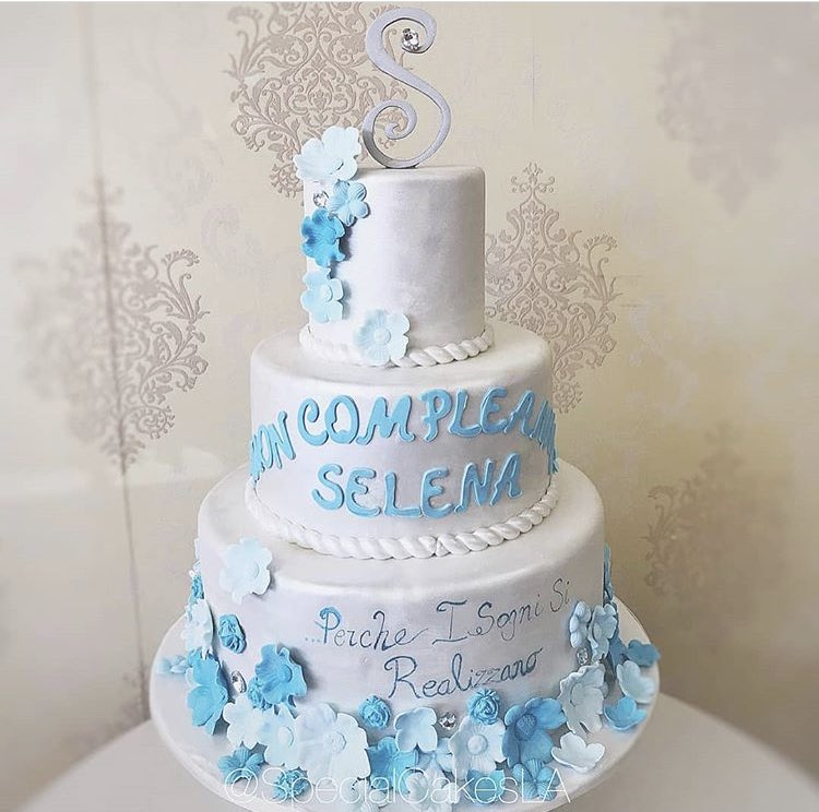 Fabulous Selena Gomez Updates On Twitter Sels Birthday Cake Says Funny Birthday Cards Online Inifodamsfinfo